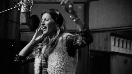 Gisele Bundchen śpiewa piosenkę dla H&M (VIDEO)