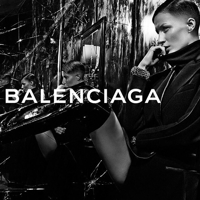 Gisele Bundchen ogoliła część głowy do kampanii Balenciaga?!