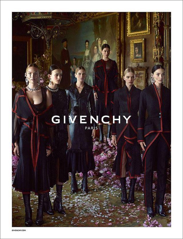 Już są! Pierwsze zdjęcia Donatelli Versacce dla Givenchy
