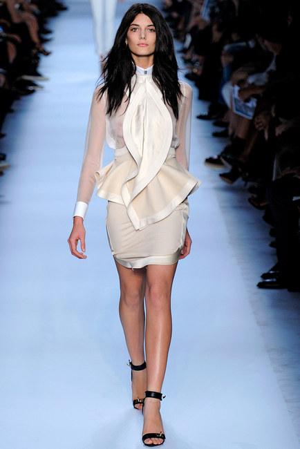Kim Kardashian ponownie w Givenchy (FOTO)