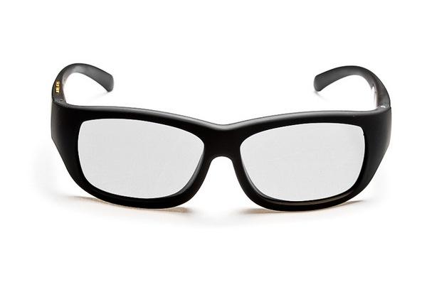 Bądź modna latem z okularami Glassini!