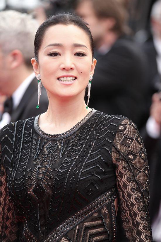 Gong Li w kreacji z wiosennej kolekcji Roberto Cavalli