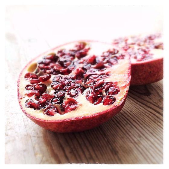 Owoc granatu może odmodzić naszą skórę i zwalczyć trądzik!