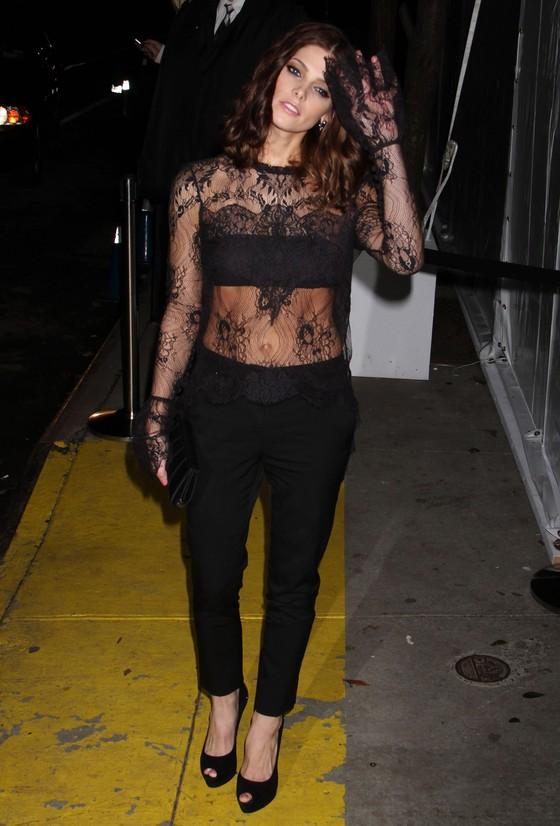Ashley Greene w koronkowej bluzce Wesa Gordona