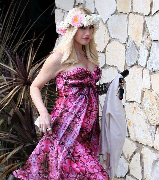 Gwen Stefani w ciążowej stylizacji (FOTO)