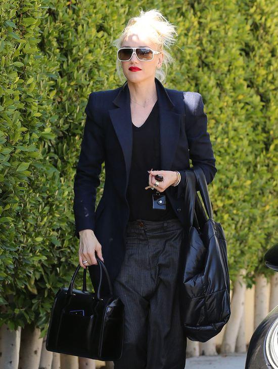 Gwen Stefani w workowatych spodniach (FOTO)