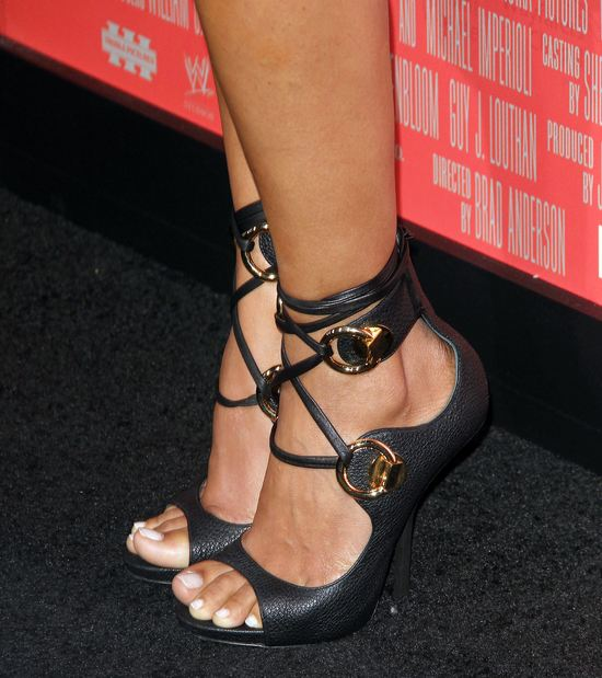 Halle Berry kolejny raz w małej czarnej (FOTO)
