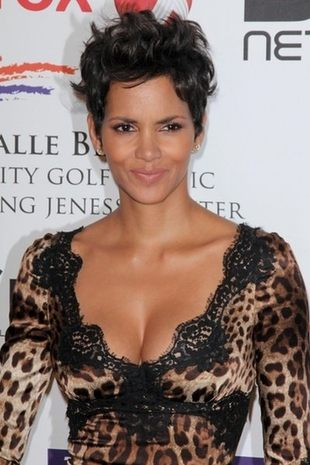 Halle Berry w panterce (FOTO)