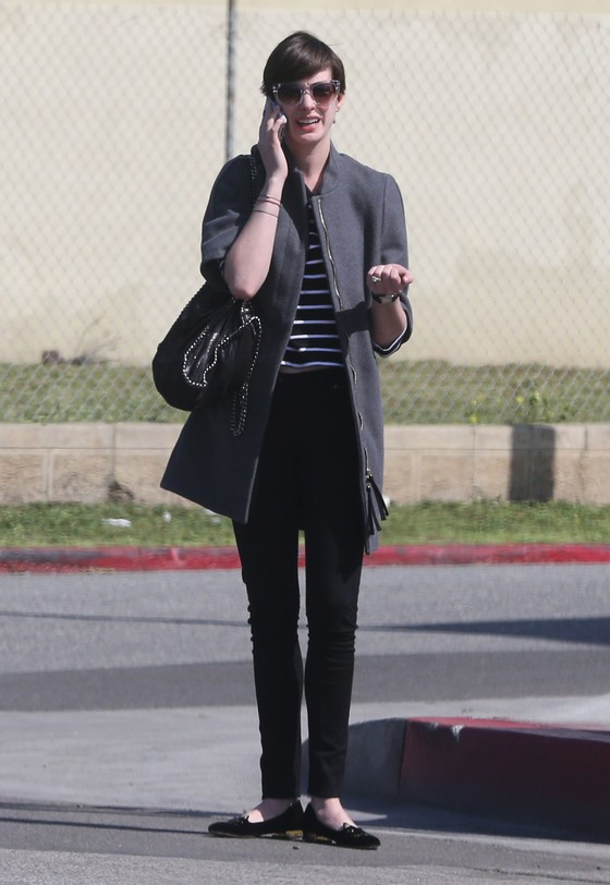 Anne Hathaway w butach Kitty Flats by Olympia