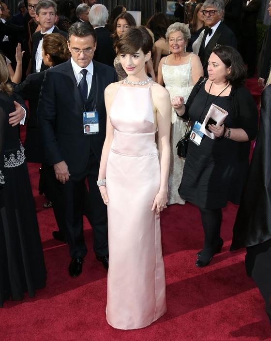 Anne Hathaway  na polskiej  okładce Harper's Bazaar
