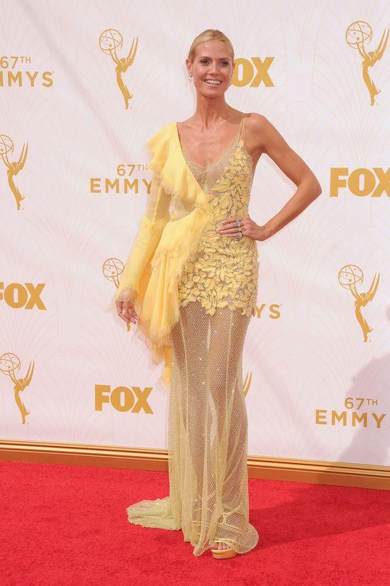 Heidi Klum na gali Emmy 2015 - Żółta modowa wpadka? (SONDA)