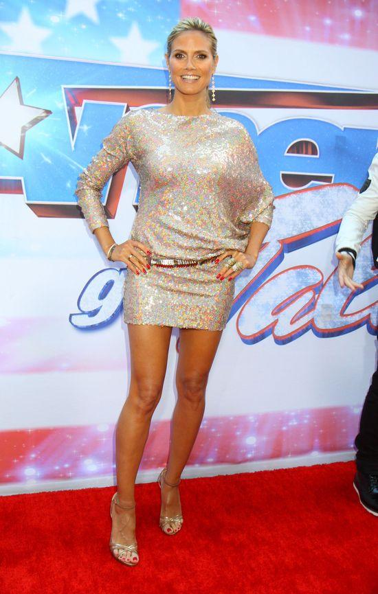 Heidi Klum w cekinowej sukience Talbot Runhof