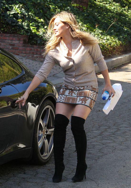 Mom In Mini Skirt 73