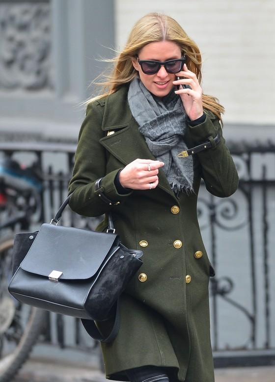 Jennifer Lawrence i Hicky Hilton w zielonych płaszczach