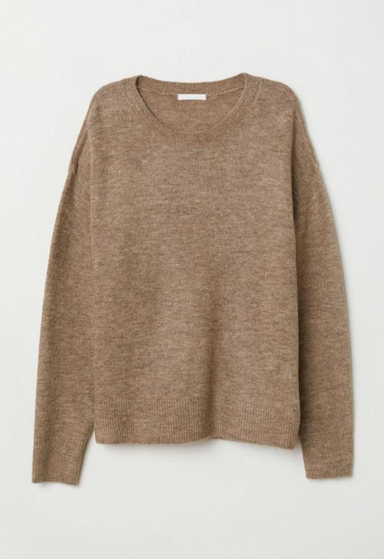 Ciepłe, beżowe swetry to hit na instagramie. Podpowiadamy, gdzie je znajdziesz