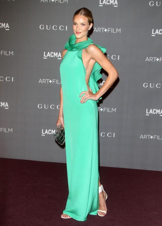 Rosie Huntington-Whiteley w zielonej sukni