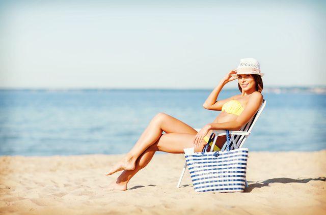 Co powinnyśmy spakować to torby plażowej? (FOTO)