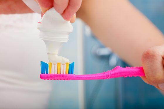 Czym najlepiej wybielać zęby?