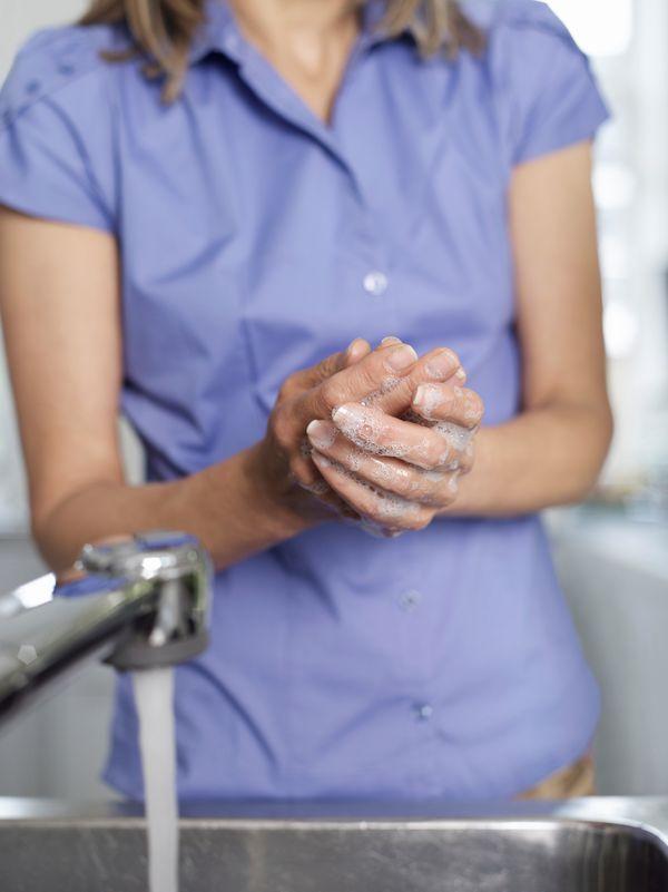 Mydło antybakteryjne NIE usunie zarazków lepiej niż zykłe