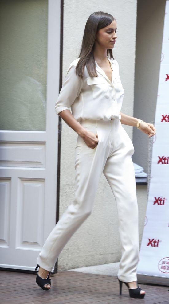 Irina Shayk cała w bieli (FOTO)