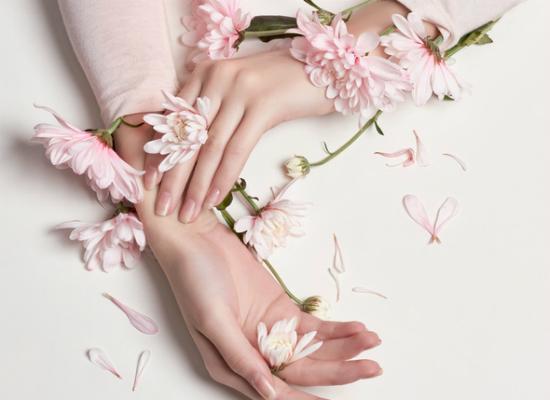 Dermatolog ujawnia, jak utrzymać tłustą skórę pod kontrolą! Najlepsze sposoby...