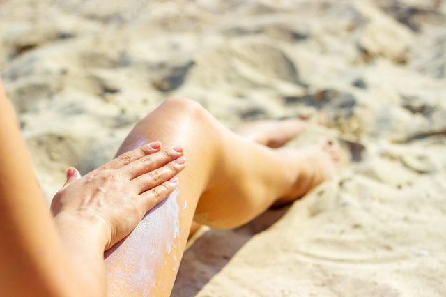 Lato w pełni! Na co zwrócić uwagę korzystając ze słońca? (FOTO)