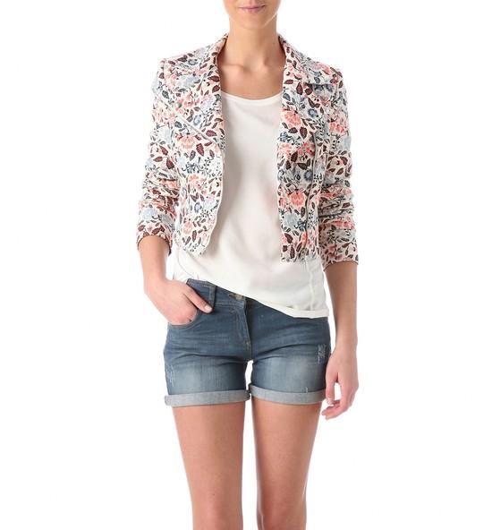 Zestaw na dziś: Ramoneska w kwiaty i pudrowe spodnie