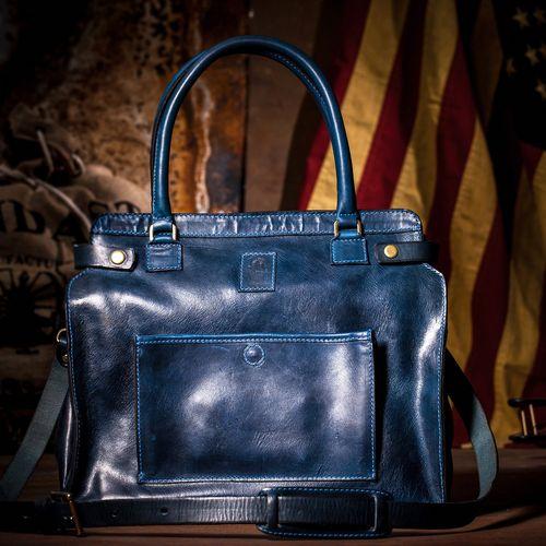 Blake Lively zaprojektowała torebkę, Internauci ją wyśmiali