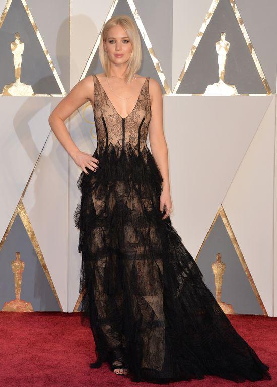 To najgorsza oscarowa kreacja Jennifer Lawrence? (FOTO)