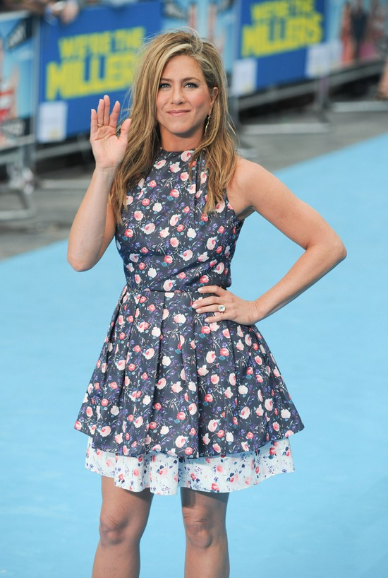 Jennifer Aniston w nietrafonej sukience Diora