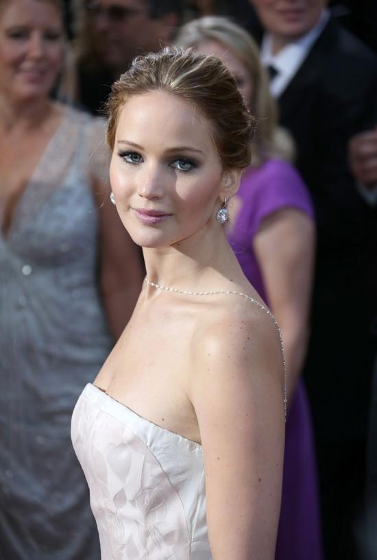 Jennifer Lawrence odebrała Oscara e sukni Diora (FOTO)