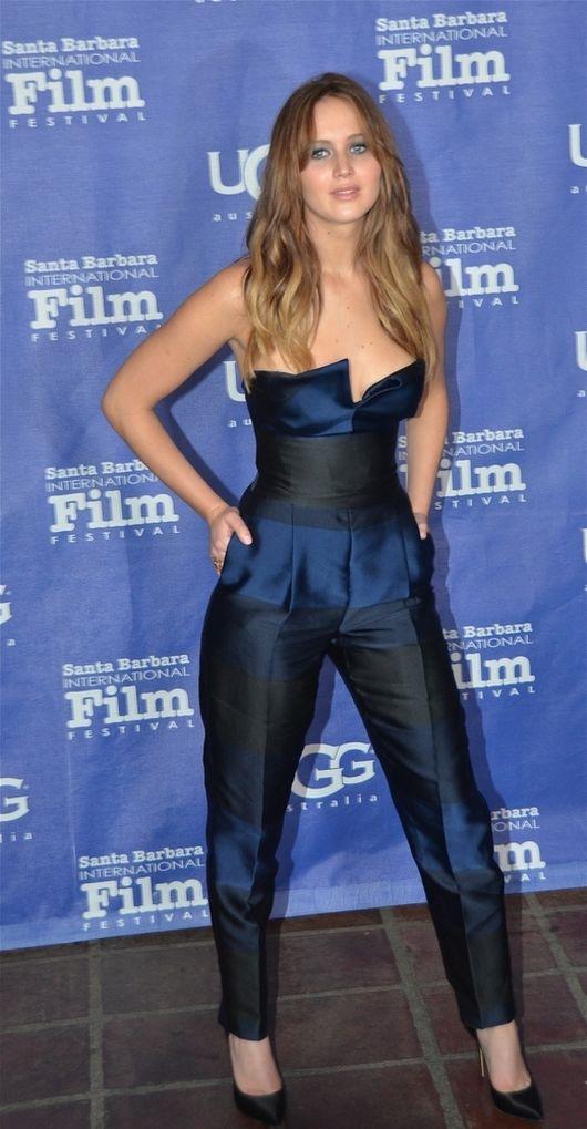 Jennifer Lawrence w kombinezonie od Stelli McCartney