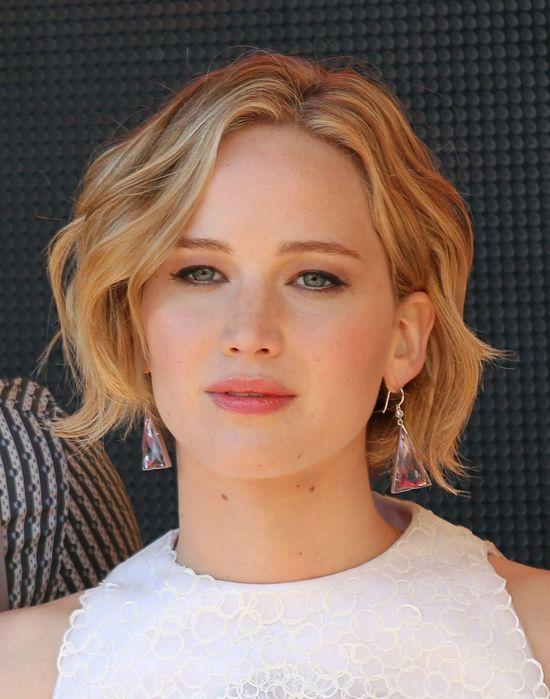 Młodzieżowa stylizacja Jennifer Lawrence w Cannes (FOTO)