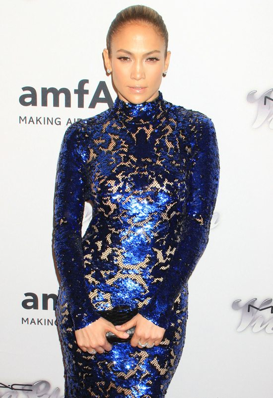 Jennifer Lopez w sukni Toma Forda (FOTO)