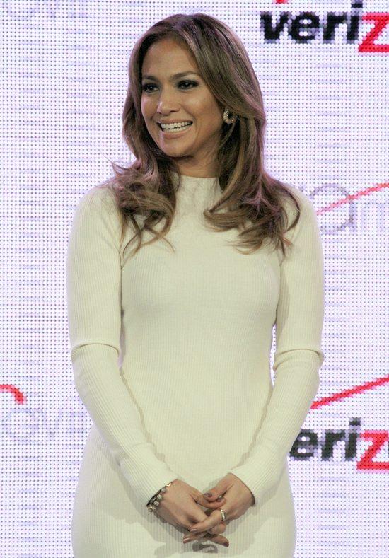 Minimalistyczna stylizacja Jennifer Lopez (FOTO)