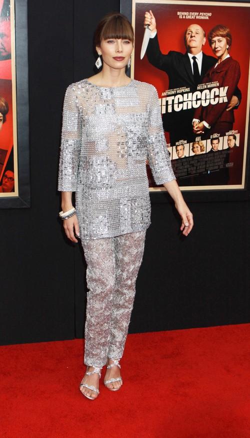 Jessica Biel w zestawie od Oscara de la Renta (FOTO)