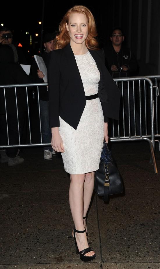 Jessica Chastain z kuferkiem Givenchy (FOTO)