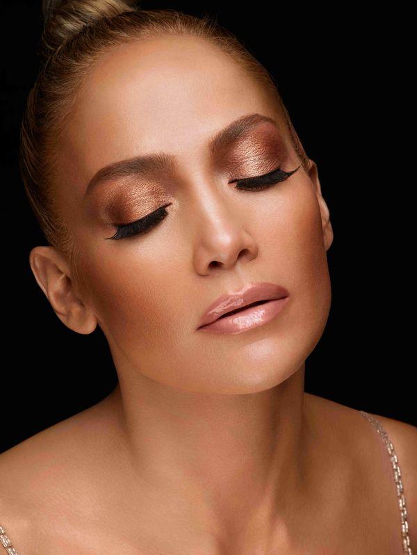 Wiemy, jak odtworzyć piękny makijaż Jennifer Lopez! (FOTO)