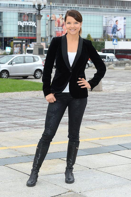 Joanna Jabłczyńska w czarno-białej stylizacji (FOTO)
