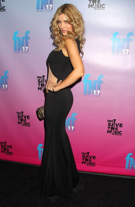 Co Joanna Krupa sądzi o Kim Kardashian i jej gołej pupie?
