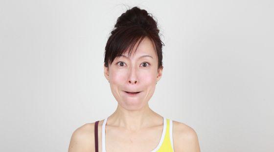 Tydzień z jogą twarzy. Dzień 6 - pełne policzki (VIDEO)