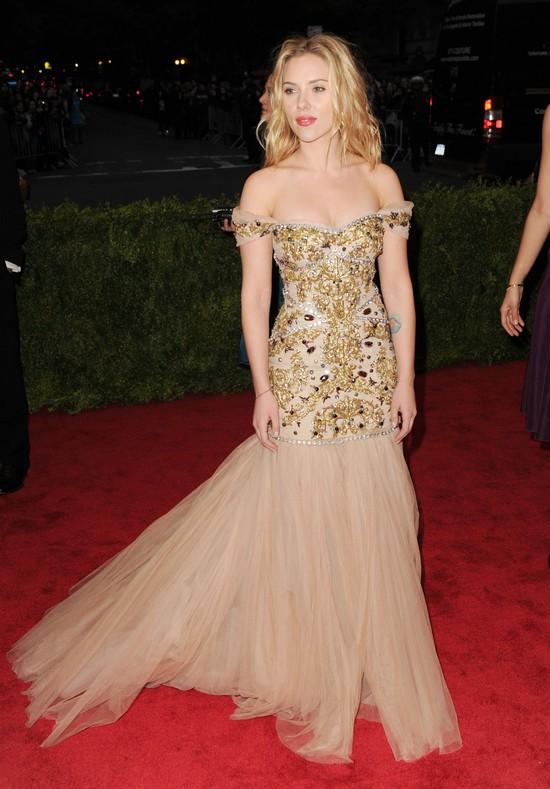 Scarlett Johansson w mocnej sesji dla V Magazine