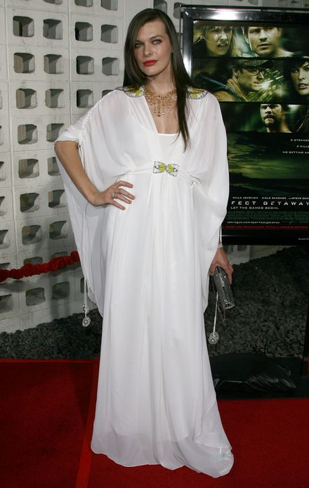 Milla Jovovich na majowej okładce Elle Ukraine
