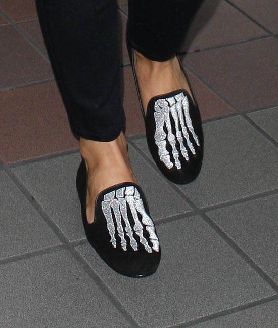Buty tej gwiazdy straszą, dosłownie!