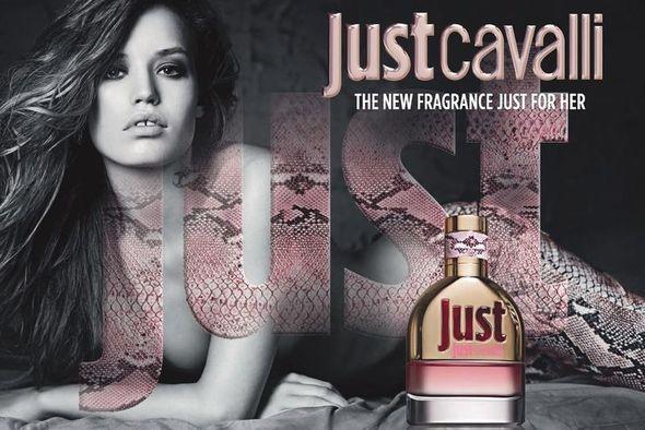 Naga Georgia May Jagger w kampanii perfum Just Cavalli
