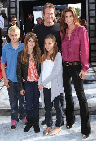 Córka Cindy Crawford twarzą Young Versace