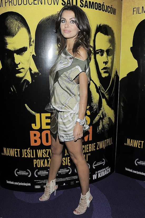 Natalia Siwiec w seksownej tunice na premierze (FOTO)