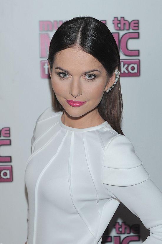 Paulina Sykut w białej mini (FOTO)