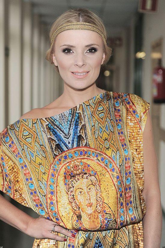 Halina Młynkova w tej samej sukience co Paulina Krupińska