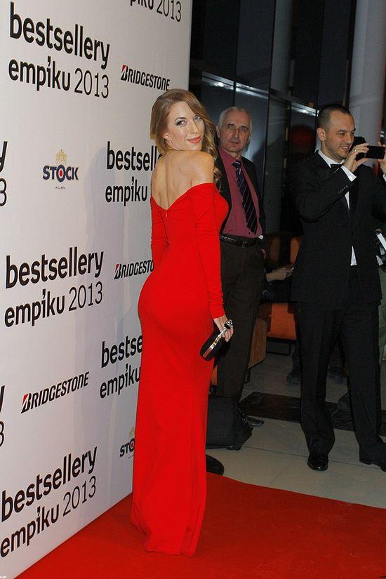Ewa Chodakowska kokietuje w czerwieni (FOTO)